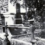 """Grab von Bernhard Schwab, """"Sieben-Häuser-Schwab"""" (1834-1905) und Ehefrau Wilhelmine, geb. Reich (1834-1903)"""