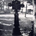 Grabkreuz von Sara Dorothea Schwab, geb. Henes. Aufnahme von Prof. Hans Schwab