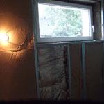 Fenetre changée intérieur blanc, début de l'isolation
