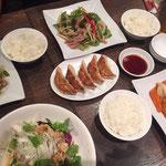 Unser erstes, asiatisches Abendessen. Zwar kantonesisch, aber trotzdem sehr lecker ;)