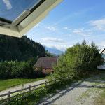Unser morgendlicher Blick aus dem Fenster auf der Alpin-Ranch in Zarnesti. Die Sonne ist uns hold