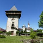 Ein neu erbauter Wehrturm bietet tolle Blicke von oben