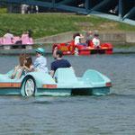 Ein Tretboot in Seenot......