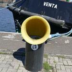 Maritimes Flair all überall - das hier ist ein Mülleimer