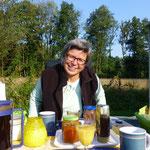 Die Sonne lacht - so muss das sein beim Geburtstagsfrühstück