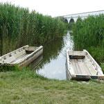 Idylle am Hortobagy-Fluss, den man auch per Boot erkunden kann
