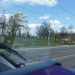 Unterwegs goldene Zwiebeltürme - das nahe Russland lässt grüßen