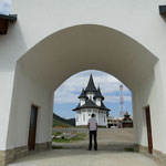 Das Kloster auf dem Prislop-Pass beschallt die gesamte Region mit gregorianischen Gesängen und Gebeten
