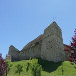 Die Burg Rupea ist schon von weitem zu sehen