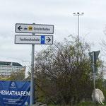 Wir nähern uns dem Ostufer-Hafen. Hier legt unsere Fähre nach Klaipeda ab