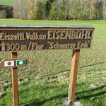 Hinweistafel zum ehemaligen Vulkan Eisenbühl