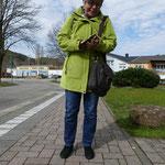 Diese blöde Google-Tante babbelt in der Handtasche weiter. Wo stellt man die Dame denn ab???