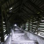 Die überdachte Schülertreppe führt uns hinauf in die Oberstadt und zur Bergkirche