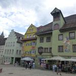 Im Herzen der Altstadt mit wunderschön bemalten Häuserfassaden