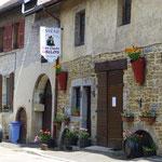 ... in das Wein-Städtchen Arbois...