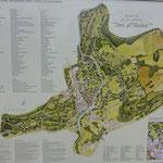 Ein Plan vom ausgedehnten Park ist hilfreich