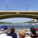 Die Margareten-Brücke erinnert an Paris - hat sie doch das Büro von Gustav Eiffel erbaut