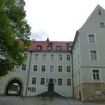 Das Areal mit Pilgerkirche und ungarischem Gymnasium