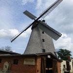 Und noch ein Wahrzeichen: Die Holländer-Windmühle von Straupitz