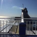 Variationen in Blau - blauer Himmel, blaues Wasser, blaues Deck. Wenn Engel reisen!!!!