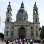 Ein letzter Blick auf die Stefans-Basilika von unten
