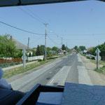 .... wechseln wir auf etwas gewöhnungsbedürftigere Straßenverhältnisse.