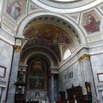 Auch innen ist die Basiklika sehenswert