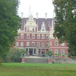 Ein erster Blick auf das Schloss von Bad Muskau