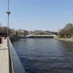 Am Ufer des Emajögi lässt es sich gut vom harten Studentenleben entspannen