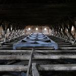 Auf abenteuerlichen Wegen gelangt man zum Dachstuhl der Kirche