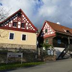 Typisches Egerländer Fachwerk im Zentrum von Neualbenreuth