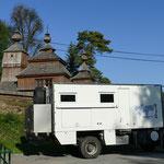 UNESCO-Holzkirchen säumen den Weg in den Osten