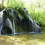 """Am """"Cascade de Tufs""""  und seinen grünen Bassins...."""