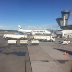 Unser Finnair-Flieger in Richtung Tokio steht schon bereit