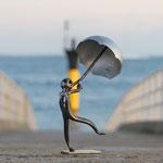 Petit Homme contre le vent