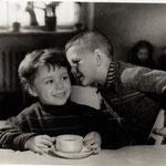По секрету. фото А. Резникова 1956 г