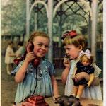 Интересный разговор. Цветное фото Я. Берлинера 1956