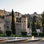 ...Alt-Toledo liegt auf einem Berghügel