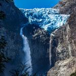 ...und seine tosenden Wasserfälle...