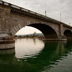 Diese berühmte Brücke kann doch nur in London stehen