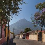 Antigua ist umgeben von schönen aber auch tödlichen Vulkanen....