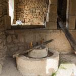 ...eine römische Olivenpresse...