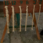 .....Seile bis zu 15 Stränge konnten hergestellt werden.