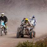 ...neben Motorrädern und Quads nahmen Autos, Buggys und LKW teil...