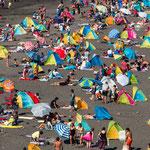 ...und man sieht keinen Sand mehr - oder sind wir hier in Rimini?...