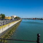 ...die Mündung des Rio Guadalquivir in den Atlantik...