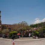 """Der """"Zentralplatz"""" von Valle de Bravo"""