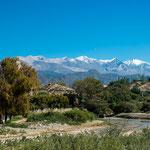 ...im Hintergrund der über 6.000 m hohe Cerro Cachi...