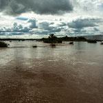 ...und entsprechend breit ist der Rio Iguazu hier...