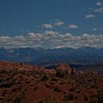 """im Hintergrund die """"La Sal Mountains"""""""